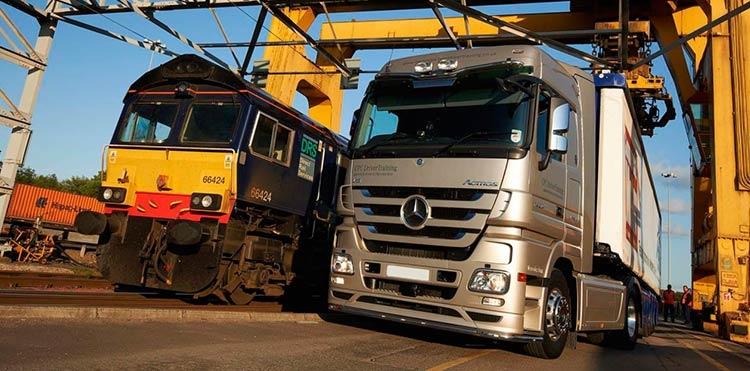 автомобильные или железнодорожные грузоперевозки